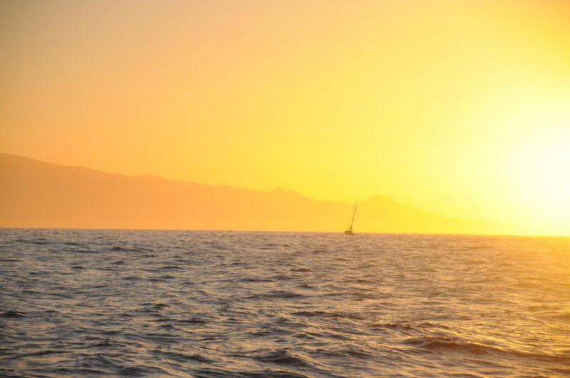 Канары, рассвет в океане